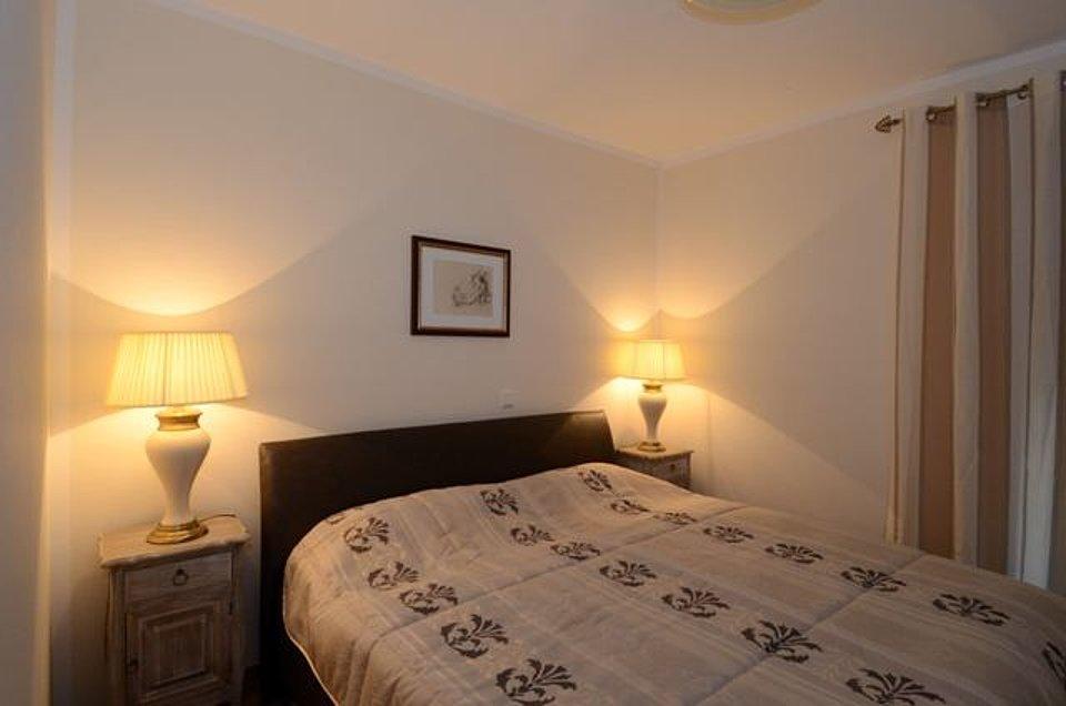 Exklusive schlafzimmer schlafzimmer im landhausstil hochwertig und exklusiv schlafzimmer - Stilvolle dekorationsideen schlafzimmer ...