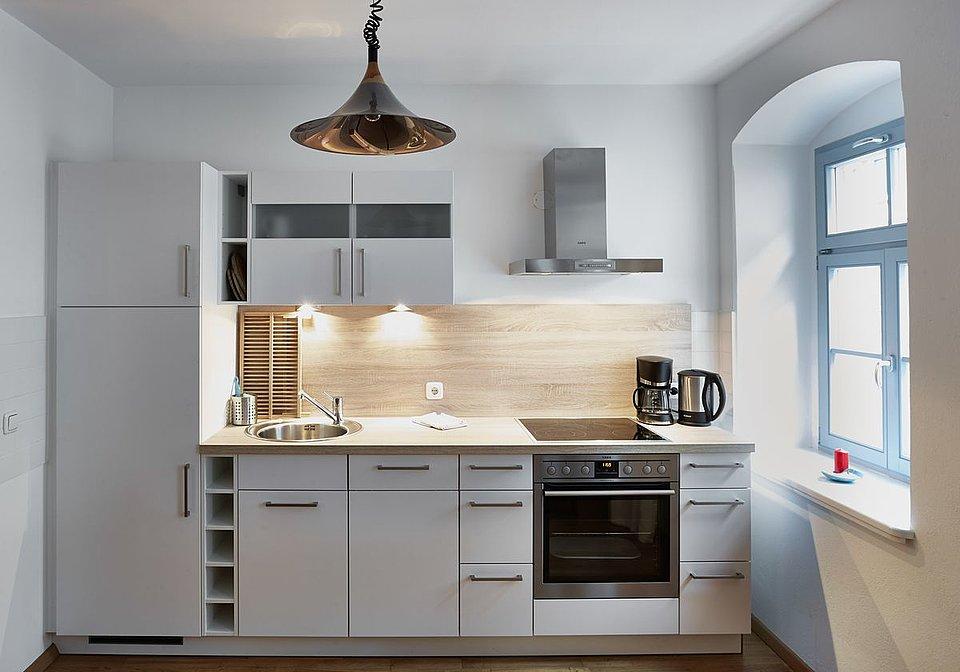 Ansichten Der Familienfreundlichen Ferienwohnung PRIESSNITZ In Dresden Ein Apartment Mit Wohn Schlafzimmer
